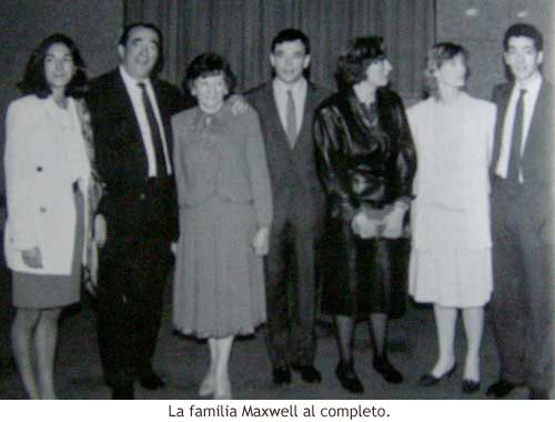 La familia Maxwell al completo