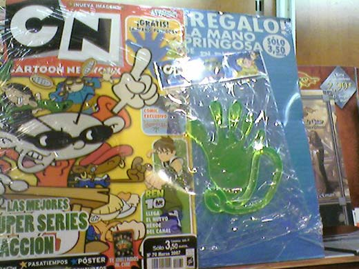 Mano loca de regalo con la revista Cartoon Network