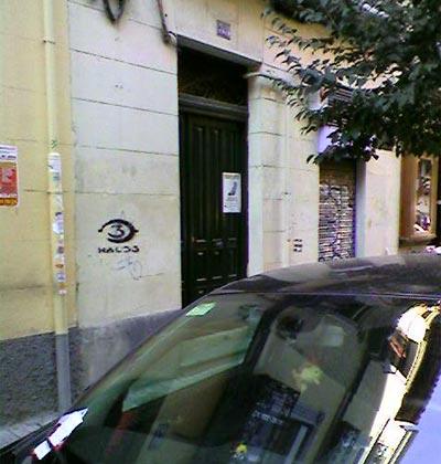 Graffiti de Halo 3 en una calle de Madrid