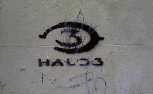 Graffiti de Halo 3 en una calle de Madrid - Primer plano