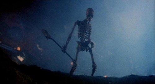 Pesadilla en Elm Street 3 - El esqueleto de Freddy