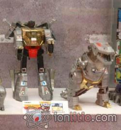 Exposición de Transformers - Grimlock