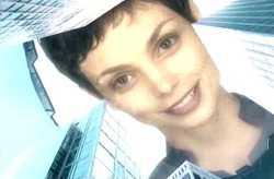 V (2009), el piloto - Anna