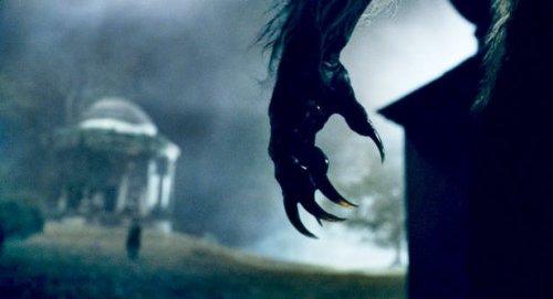 El Hombre Lobo (2010) - Garra