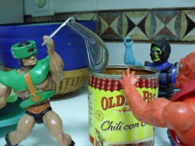 Cocinando con Skeletor - Chili - Abriendo la lata