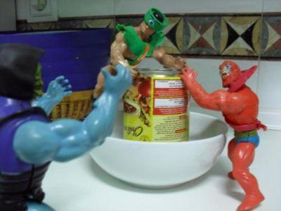 Cocinando con Skeletor - Chili - Sirviendo el chili