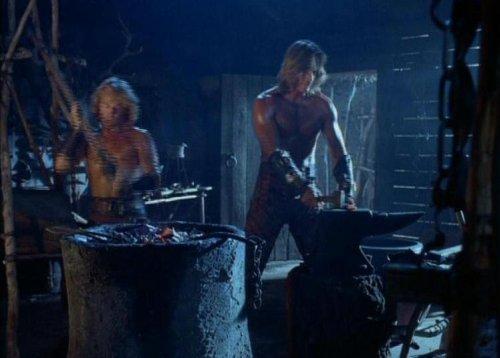 Hércules conoce a Xena - En la forja