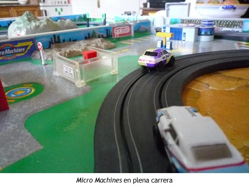 Micro Machines en plena carrera