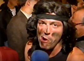Santiago Urrialde y el personaje de Rambo